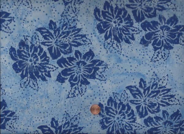 Batik Blüten h.blau-d.blau