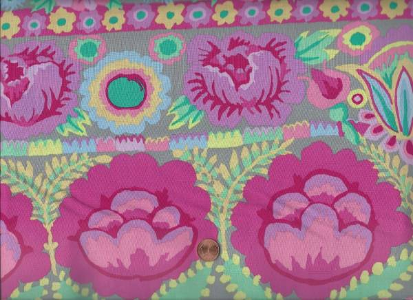 Kaffe Fassett Embroidered Flower KF001 pink